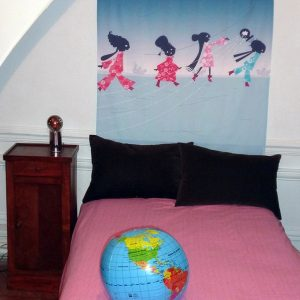 tête de lit petites femmes autres dimensions