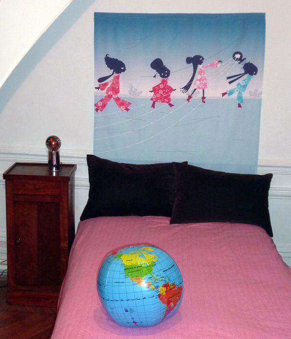 Tête de lit «Petites femmes»